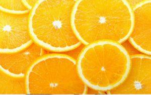 ビタミンCの過剰摂取と5つの副作用!疑うべき症状と対処法は?